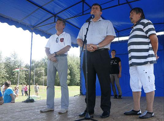 Köszöntő Okucani polgármesterével együtt