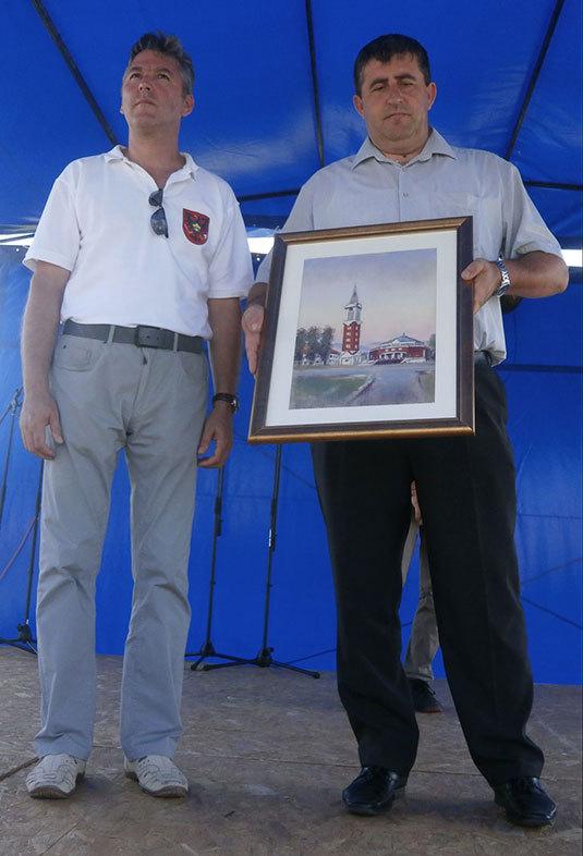 Okucani város ajándéka Taszár községnek