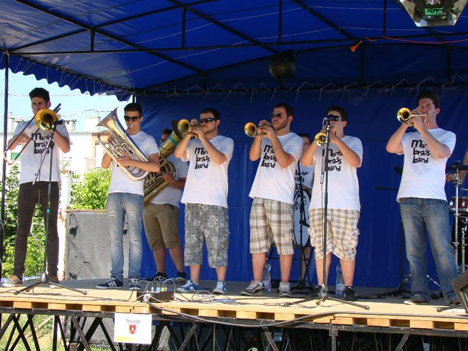 Maniac Brass Band